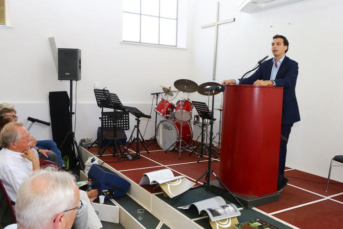 Thierry Baudet in een kerk in Gouda voor een speech over christendom en migratie.