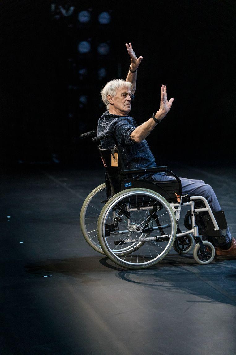 Toer van Schayk tijdens repetities bij Het Nationale Ballet in Amsterdam. Beeld Natascha Libbert