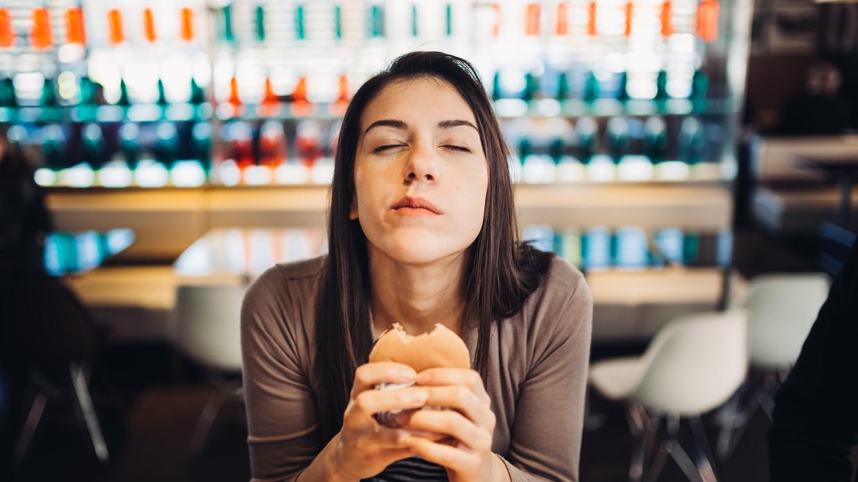 'Ik ben gedumpt, dus ik eet' Beeld Shutterstock