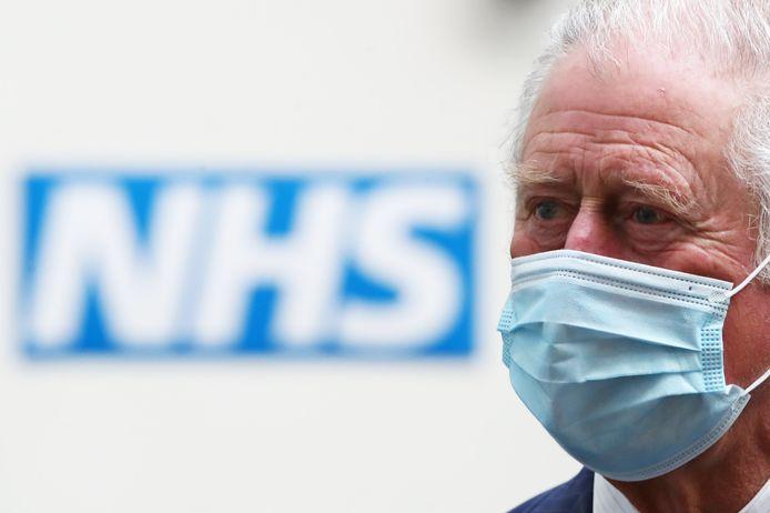 Le Prince de Galles lors d'une visite à Skipton House, Londres, pour rencontrer le personnel du NHS et du MOD impliqué dans le déploiement des vaccins.