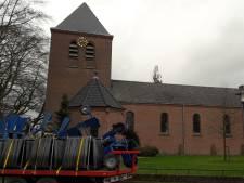 Olland 'bidt' voor woningen in kerk