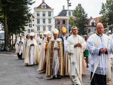 Deventer voor één dag internationale bisschopsstad: 'Is dit voor een film of is dit echt?'