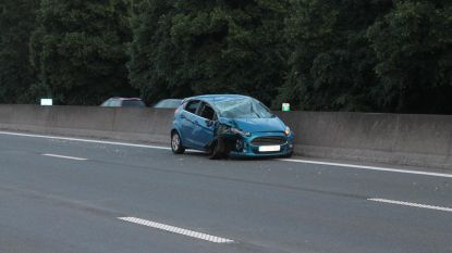 Twee gewonden na spectaculair ongeval