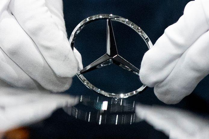 De ster van Mercedes glanst niet meer, moederbedrijf Daimler lijdt zware verliezen.
