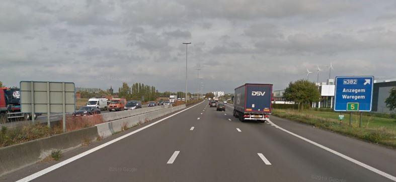 Langs de E17 in Waregem kon de koerier aan 173 km/u geflitst worden.