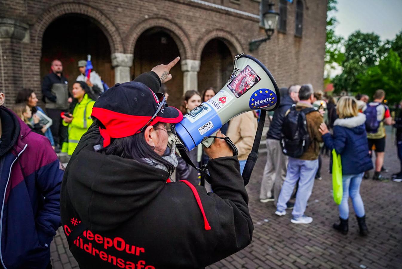 In het Eindhovense Stratum werd zaterdag gedemonstreerd tegen - onder meer - de coronamaatregelen