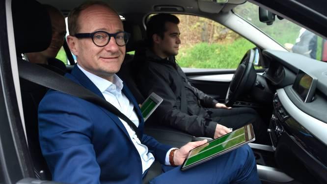 """Ben Weyts begraaft kilometerheffing voor personenwagens: """"We gaan het niet door strot van Vlaming rammen"""""""