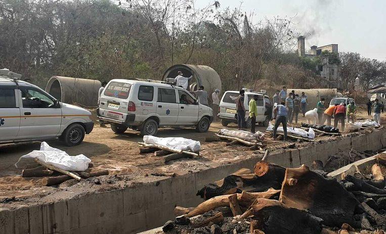 De Noord-Indiase stad Lucknow is knock-out geslagen door de pandemie. Ziekenhuizen en crematoria zijn overspoeld. Beeld Saurabh Sharma