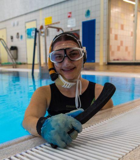 Vera (27) hockeyt niet op gras, maar onderwater: 'Geen zuurstoftank, dus lang je adem inhouden'