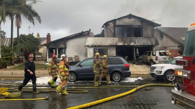 Vliegtuigje stort neer op woonwijk in Los Angeles: vijf doden en twee gewonden