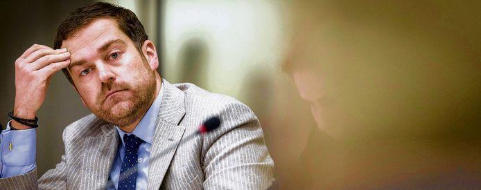 Staatssecretaris Klaas Dijkhoff moest de uitspraak van de beroepscommissie uitvoeren, naar verluidt met 'flinke tegenzin'.