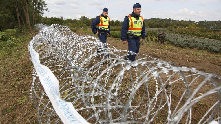 De Hongaarse regering kwam internationaal onder vuur te liggen met de bouw van omstreden omheiningen aan de grenzen.