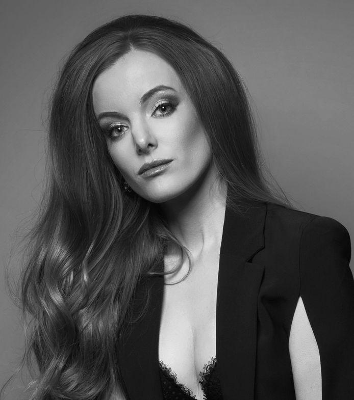 Kirsten Lensink-Hauser uit Neede heeft een escort-bureau voor upperclass