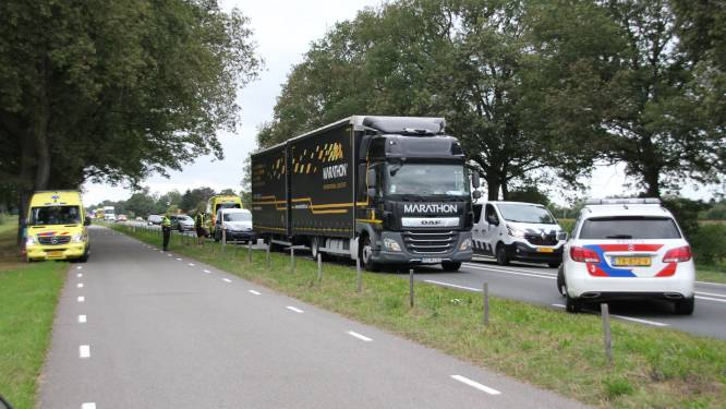 Auto's botsen op N35 tussen Nijverdal en Mariënheem, verkeer wordt omgeleid