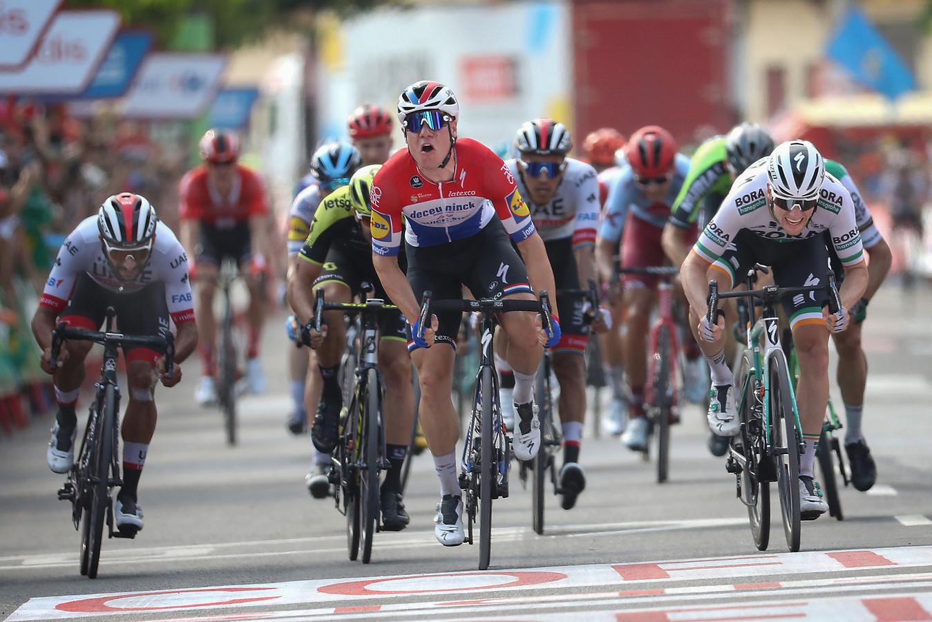 Jakobsen sprint naar de zege in de vierde etappe van de Vuelta 2019.