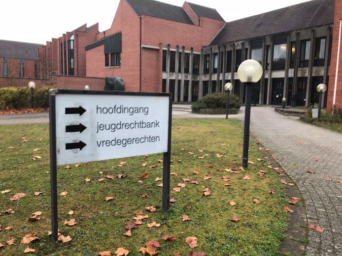 De vijf werden veroordeeld in de Brugse rechtbank.