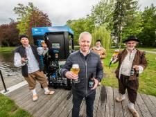 Proost: bier gebrouwen van water uit de Grolse stadsgracht…