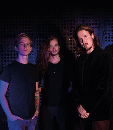 Bizar nieuws uit Amerika: nummer van Twentse rockband Vault gekozen tot song van het jaar