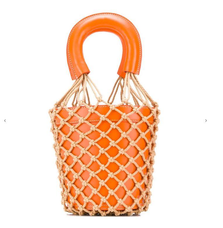 Moreau bucket-tas, € 364 (Staud via Farfetch.com) Beeld packshot