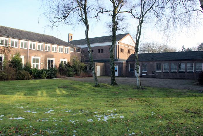 Voormalig internaat aan de Edward Poppelaan in Etten-Leur