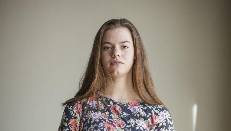 Eva (17) uit Tolbert heeft moeite om haar opleiding toerisme te bekostigen. Beeld Harry Cock