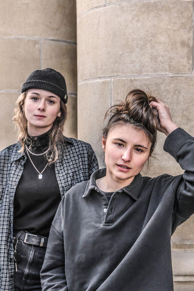 Amber Piddington (links): 'Gitaarmuziek is níét dood. Die staat om het hoekje te wachten om weer tevoorschijn te springen.'  Beeld Koen Bauters