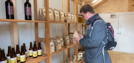Burgerboerderij De Patrijs uit Vorden pakt door: al twee afhaalpunten voor melk en groente open