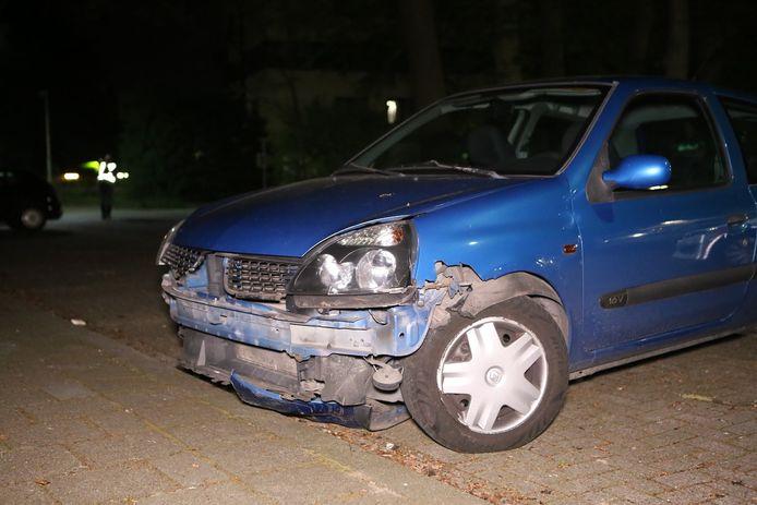 De auto is later 400 meter verderop aangetroffen.
