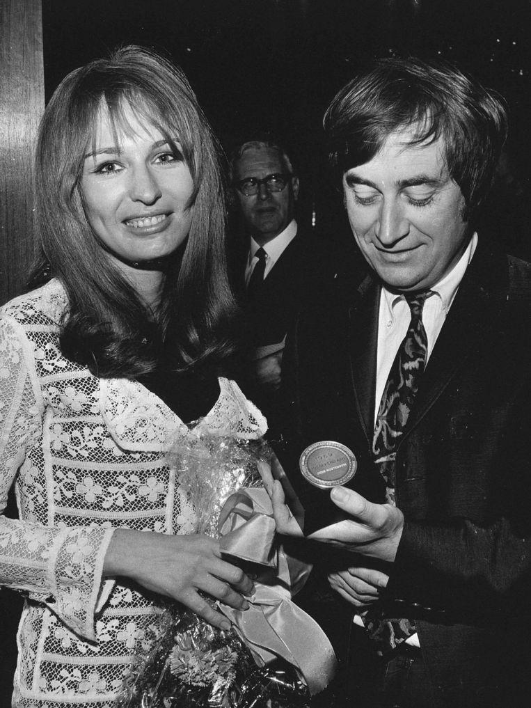 Cees Noteboom in 1969 met Liesbeth List.