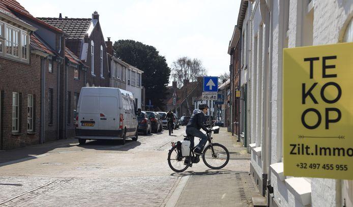In de Prinsestraat staat een huis te koop. Verder is er weinig aanbod in Cadzand-Dorp.