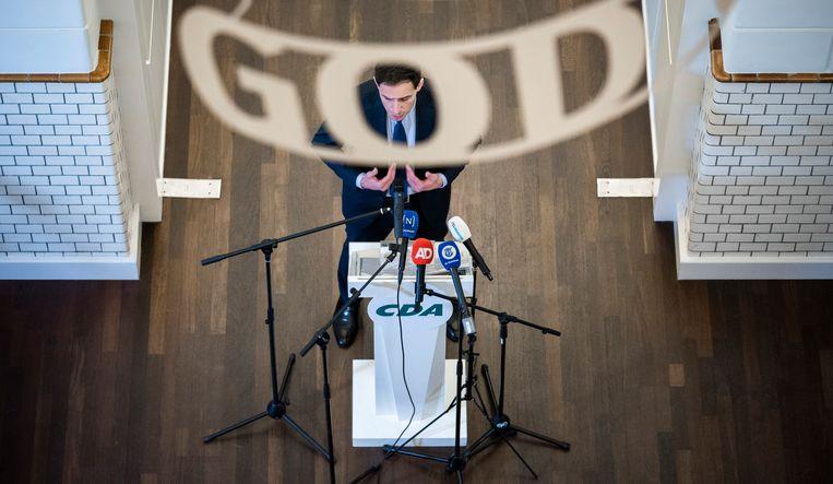 Wopke Hoekstra zaterdag tijdens de persconferentie. Beeld Freek van den Bergh