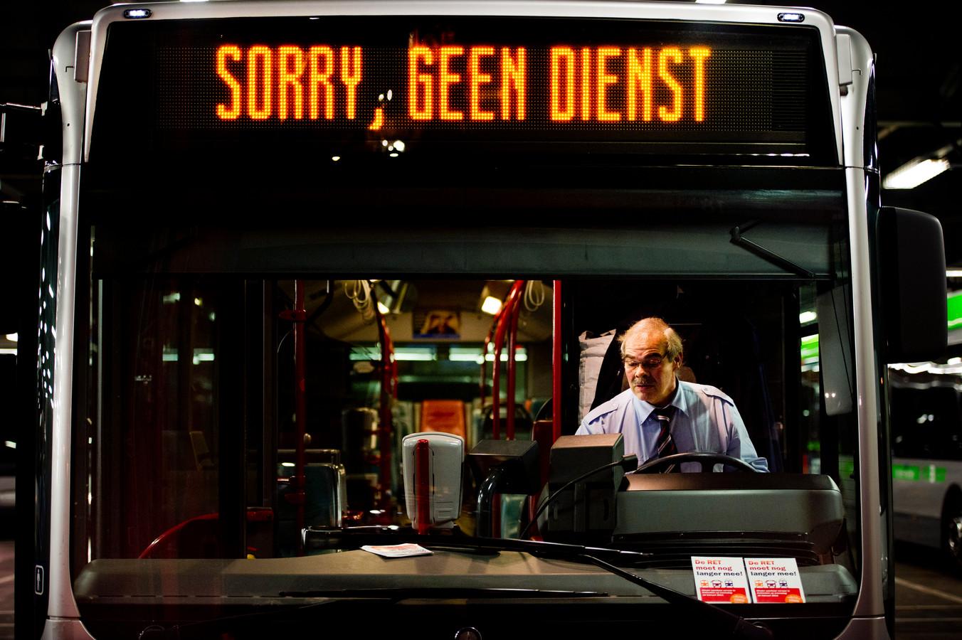 Sinds eind vorig jaar rijdt er in de avond vanuit Ameide geen directe bus meer richting Utrecht. Dat moet veranderen, vindt Ameide Duurzaam.