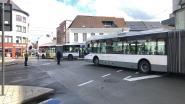 Defecte lichten aan Hoogstraat sturen verkeer in de knoop, technische dienst ter plaatse