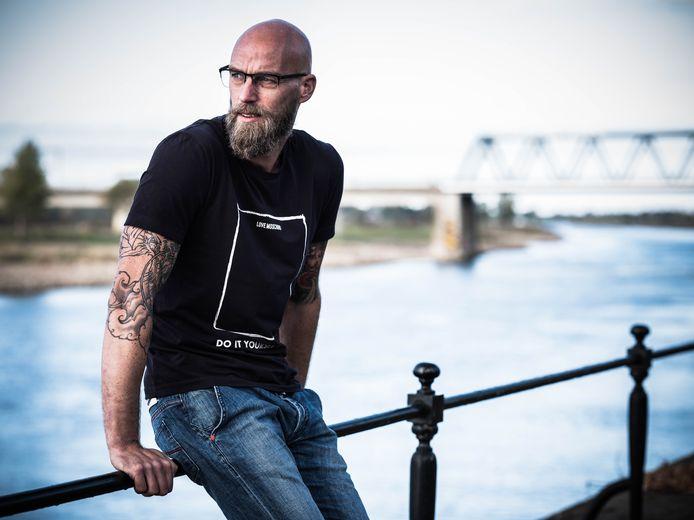 Rodney Schwarz is directeur en eigenaar van het Deventer softwarebedrijf Tasper. Het bedrijf telt 20 medewerkers en groeit nog steeds. In een verder verleden werkte hij bij Achmea in Apeldoorn.