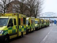 """Les hôpitaux de Londres sous pression, les services de soins intensifs """"pleins"""""""