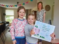 Zusjes uit Heeswijk-Dinther presenteren hun eigen kinderboek, met moeder