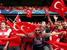 De Boer: 'Ik weet van mijn tijd bij Galatasaray hoe hoog de emoties daar op kunnen lopen'