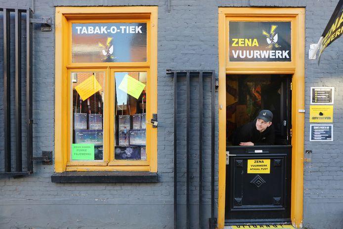 Belgische vuurwerkwinkels zijn niet blij met het vervoersverbod dat Nederland heeft afgekondigd voor vuurwerk.
