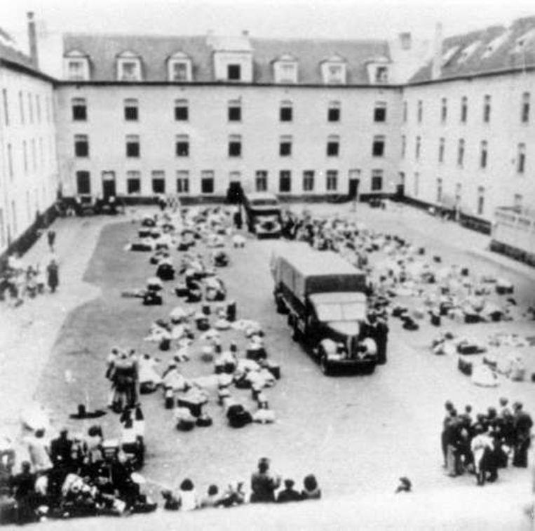De Dossinkazerne in Mechelen, vanwaar veel joden naar de concentratiekampen gevoerd werden.