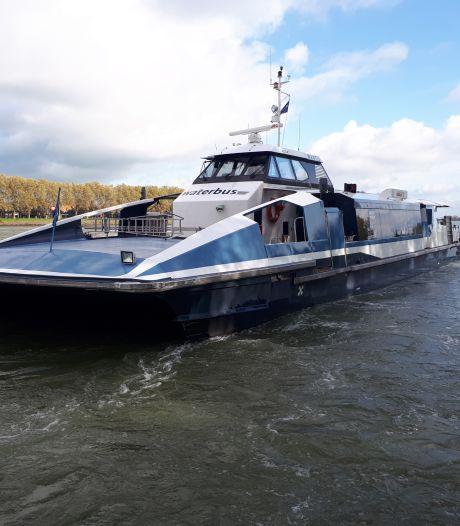 Gemeenten en Swets redden waterbuslijnen naar Zwijndrecht en Sliedrecht