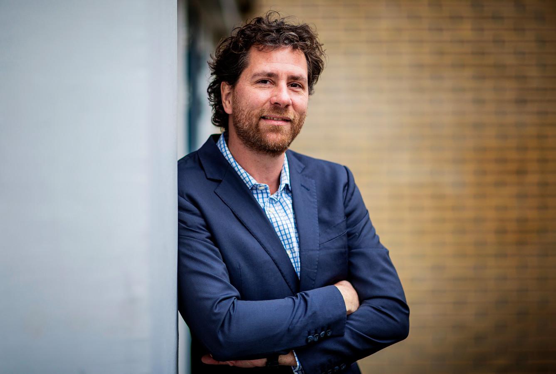 Jérôme van Helden (42) uit Voorburg was hotelmanager in Brunei. Door de coronacrisis was er voor hem geen werk meer.