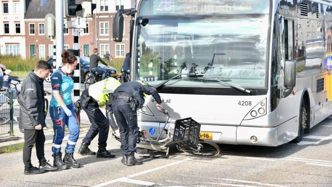 Scholier geschept door bus in Vleuten, slachtoffer komt onder het voertuig terecht