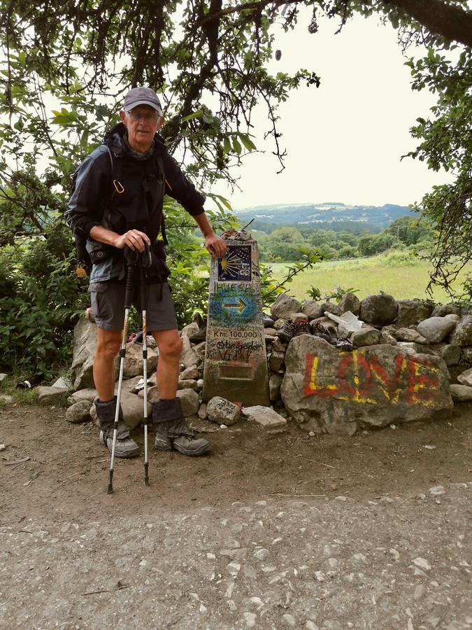 Benno Schotanus uit Houten schreef een boek over zijn solo-wandeltocht naar Santiago.