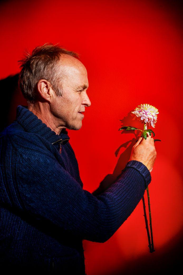 Stef Bos komt met zijn voorstelling Bloemlezing naar Middelburg en Rilland.