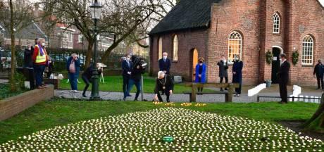Zee van duizenden kaarsjes voor coronadoden bij Hasseltse Kapel: 'Ooit zal Brabant weer gewoon Brabant zijn'