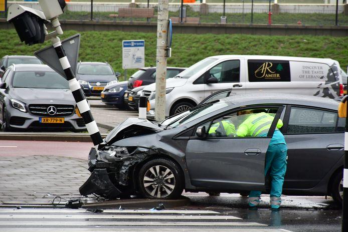 Twee personen raakten gewond bij het ongeval.
