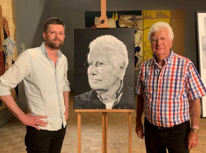 Arne Hiddingh met Gerard Cox bij het schilderij dat Hiddingh voor Sterren op het doek maakte.