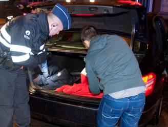 Politie schrijft 14 Covid-PV's uit bij controleacties