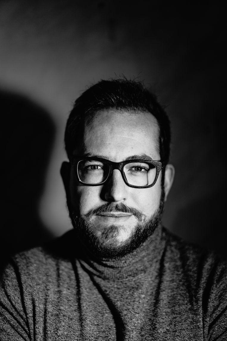 Jurist en privacy-activist Matthias Dobbelaere-Welvaert: 'Een restaurantuitbater of een trouwend koppel heeft er eigenlijk geen zaken mee of een bepaalde nonkel nu wel of niet gevaccineerd is.' Beeld Wouter Van Vooren