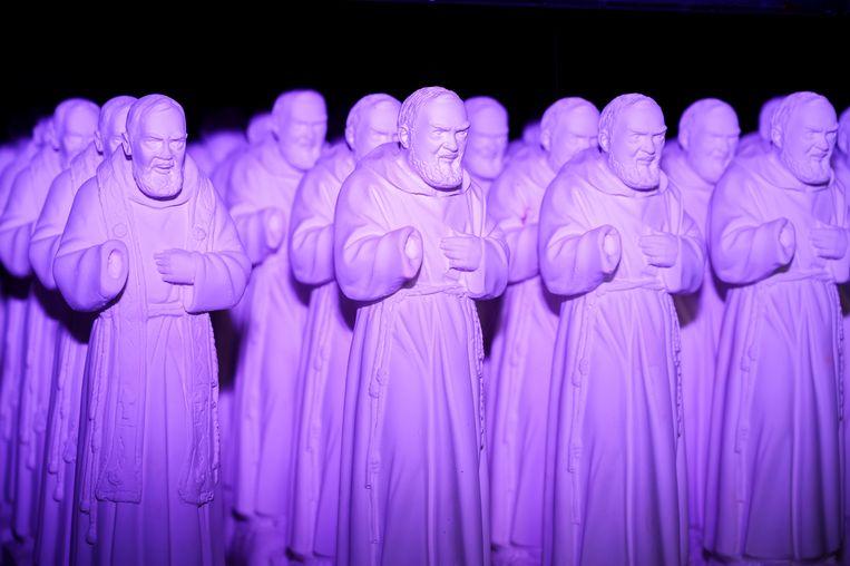 Padre Pio's in San Giovanni Rotondo. De pater werd heilig verklaard in 2002. Beeld SANNE DE WILDE